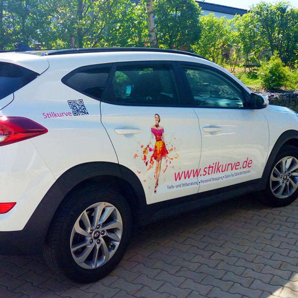 Fahrzeugbeschriftung für die Stilkurve